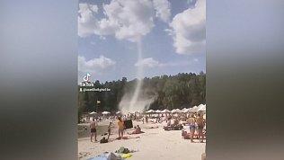 Песчаный торнадо попал на видео в Челябинской области