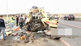 На трассе М-5 в аварии погибли водитель и фельдшер «скорой»: видео последствий ДТП