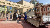 Памятник Петру Сумину вЧелябинске открыли задень дооткрытия
