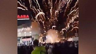В Копейске искры праздничного салюта попали в зрителей