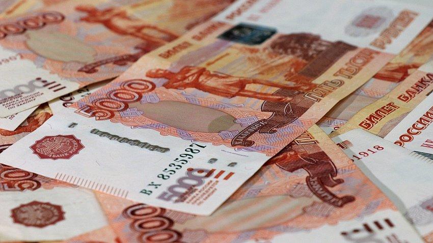 Число южноуральцев с зарплатой от 100 тыс. рублей выросло на 40%