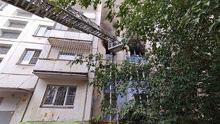 В Челябинске вовремя пожара вмногоквартирном доме эвакуировали 16человек