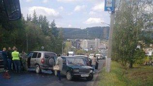 ВЗлатоусте вмассовой аварии столкнулись 19автомобилей