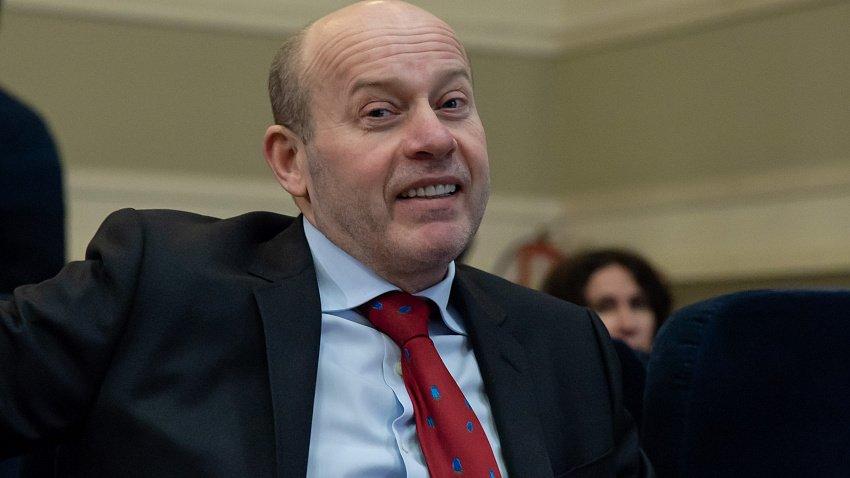 Суд привлек Олега Колесникова в качестве соответчика по долгам аптеки «Классика»