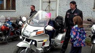 Байкеры Златоуста рассказали детям о безопасности на дорогах