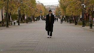 Молодой Челябинец сам шьет себе винтажные костюмы
