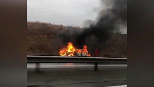 Автомобиль загорелся на трассе в Челябинской области