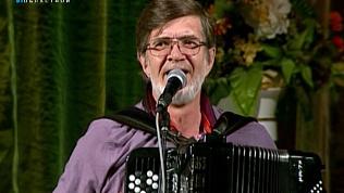 Прошли концерты, посвященные памяти автора программы ОТВ «Искры камина»