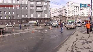 """Дорожные ямы в Челябинске заделают """"временными заплатками"""""""