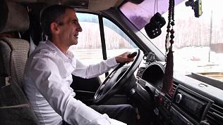 Челябинский маршрутчик возит детей бесплатно за хорошую учебу в школе