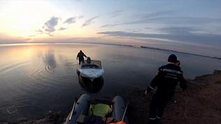 Рыбаки ночью застряли на Первом озере
