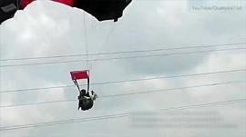 Парашютистка столкнулась с проводами линии электропередач