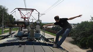 Несовершеннолетнего «зацепера» сняли с крыши поезда на Южном Урале