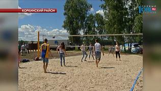 В Первомайском благоустроили прибрежную зону городского пруда