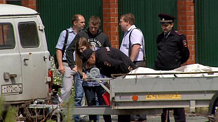 Убийца в шлеме сделал около пяти выстрелов в своих жертв в Копейске