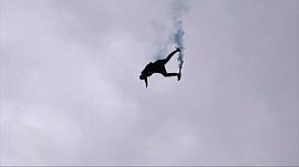 Парень спрыгнул с 45-метровой высоты у всех на глазах