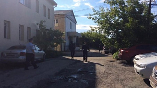 Подозреваемого в убийстве пропавшего мальчика из Каслей привезли в суд