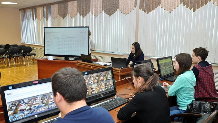 В Челябинске возбудили дело по краже более 250 ноутбуков для ЕГЭ