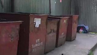 В мусорных баках на ЧМЗ нашли младенца