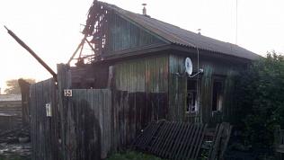 В МЧС назвали возможные причины смертельного пожара в Пластовском районе
