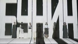 Молодежный театр первый открывает сезон