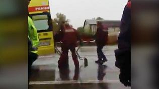 Молодого водителя зажало в искорёженной легковушке на «пьяной дороге» Магнитогорска
