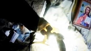 Туристы обнаружили в Сугомакской пещере православные иконы. Видео