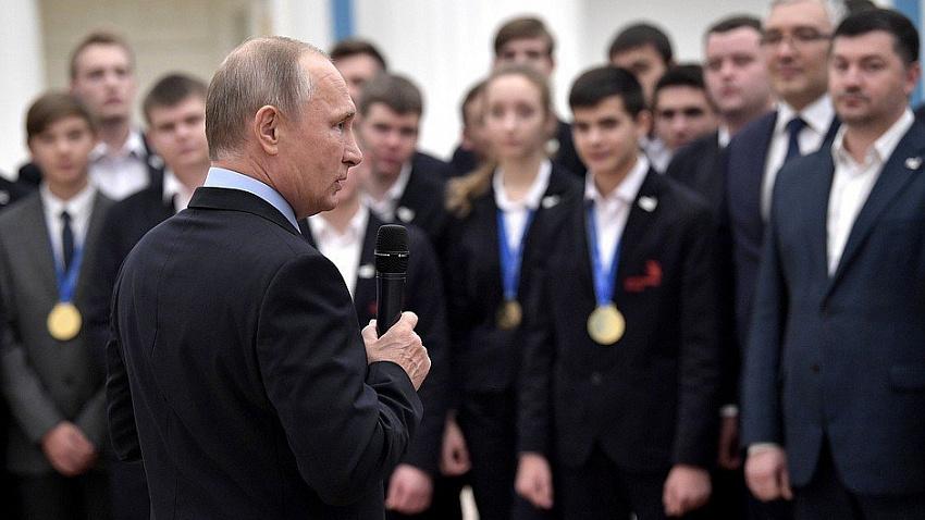 Владимир Путин поздравил сборную WorldSkills Russia с победой на мировом первенстве