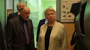Министр образования России Ольга Васильева посетила ракетный центр ЮУрГУ