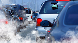 ГИБДД Челябинска дежурит на въездах в город для контроля за уровнем выхлопов