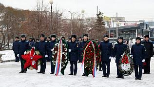 Память южноуральцев, погибших на службе Отечеству, почтили возложением венков