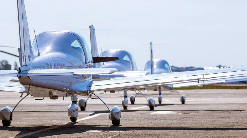 23 самолета «ЧелАвиа» арестованы за долги компании в 13 миллионов рублей
