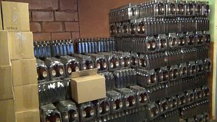 Спиртное, деньги и «стволы» нашли в подпольных алкоцехах Кыштыма