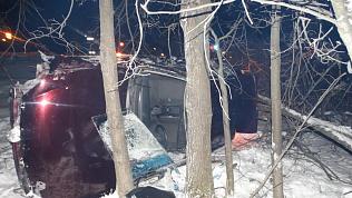 Трех человек увезли в больницу после ночного ДТП с переворотом на М-5