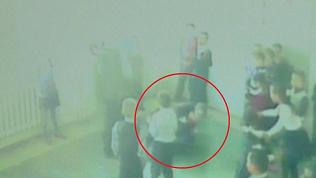 Школьная драка с поножовщиной попала на видео