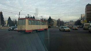 Иномарка остановила движение 15 трамваев