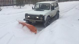 «Снегоуборочная Нива» вышла на улицы Челябинска