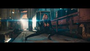 «Ленинград» показал российских женщин «супервумен» в новом клипе