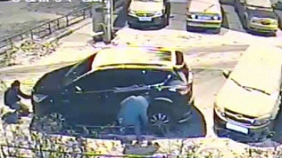 Полиция разыскивает вандалов, разбивших кроссовер в Курчатовском районе