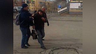 Буйного клиента «разливайки» в Ленинском районе избили охранники ЧОПа