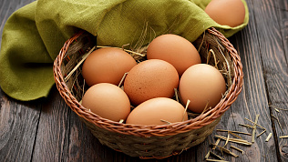 Куриные яйца подскочили в цене перед Пасхой
