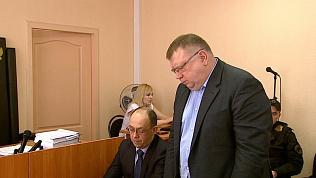 Экс-директор «Гринфлайта» на суде признал свою вину и прятал глаза от потерпевших
