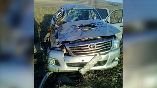 Пассажир пикапа погиб после опрокидывания иномарки на проселочной дороге на Южном Урале