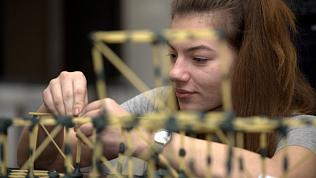 Магнитогорцы стали лучшими в международном конкурсе строительства из макарон