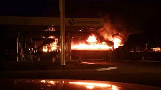 В Миассе сгорел торговый павильон на рынке «Народный»