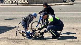 Челябинский полицейский стал героем соцсетей