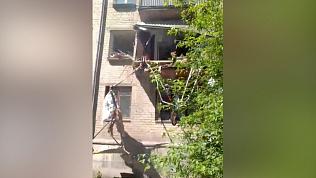 В Челябинске из-за взрыва газа рухнул балкон