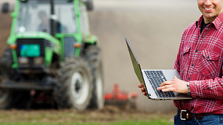 Южноуральский фермер вынужден ездить в райцентр, чтобы воспользоваться интернетом