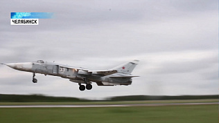Летчики отработали дозаправку истребителей в воздухе