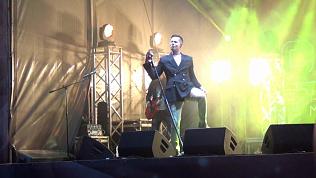 Стас Пьеха выступил в Кыштыме на уличной площадке